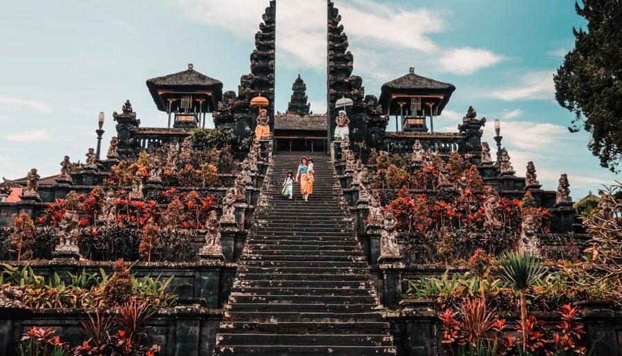 Simona di Viaggio in Indonesia: la sua storia d'amore con l'Indonesia