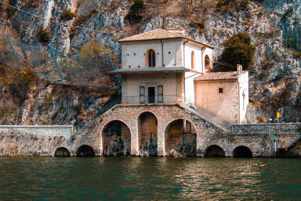 chiesa della madonna del lago scanno