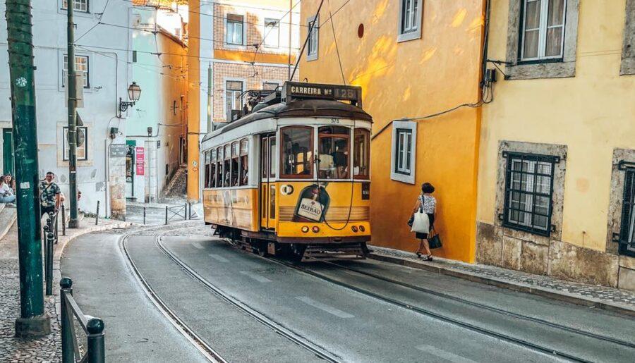 Come organizzare un viaggio a Lisbona: guida completa
