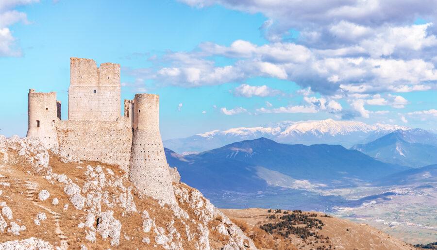 Rocca Calascio, come arrivare nel castello più bello del mondo